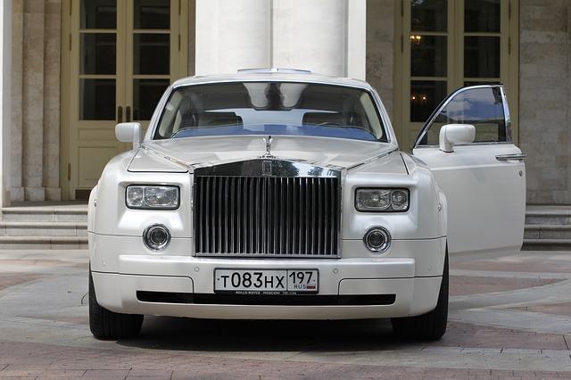 Profiter du grand standing avec la location de limousine avec chauffeur